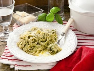 Pasta med vit sås och auberginer - Galbani